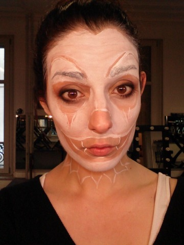 Tuto  Comment faire un Maquillage Clown Halloween Facile ?