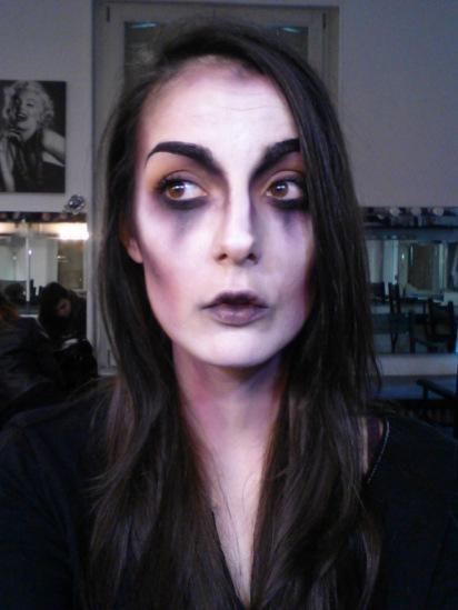 Tuto Comment Faire Un Maquillage De Vampire Pour Halloween