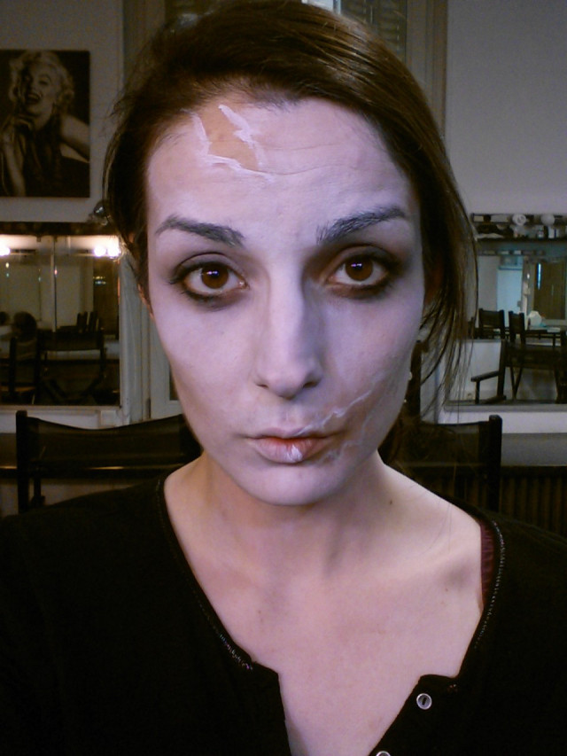 Maquillage halloween zombie tuto - Maquillage de zombie facile a realiser ...